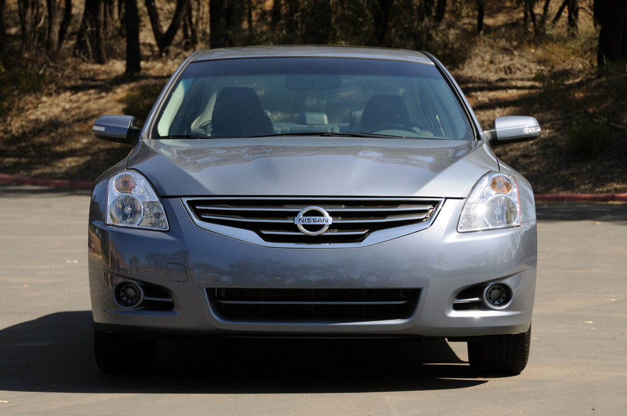 Nissan Certified Pre Owned >> Quick Spin: 2010 Nissan Altima Photo Gallery - Autoblog