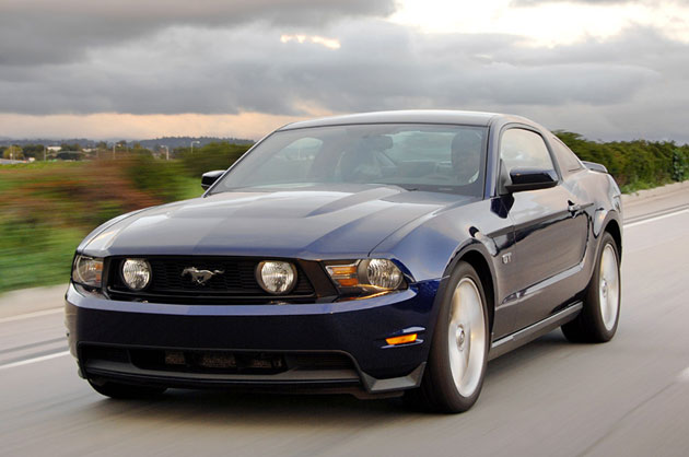 how much horsepower does a 2010 ford mustang gt have. Black Bedroom Furniture Sets. Home Design Ideas
