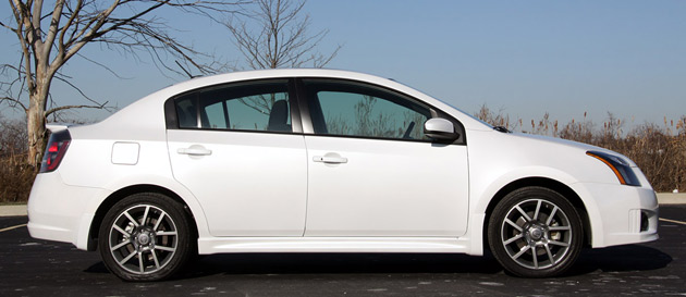 2010 nissan sentra se r is a tall order cars and girls. Black Bedroom Furniture Sets. Home Design Ideas