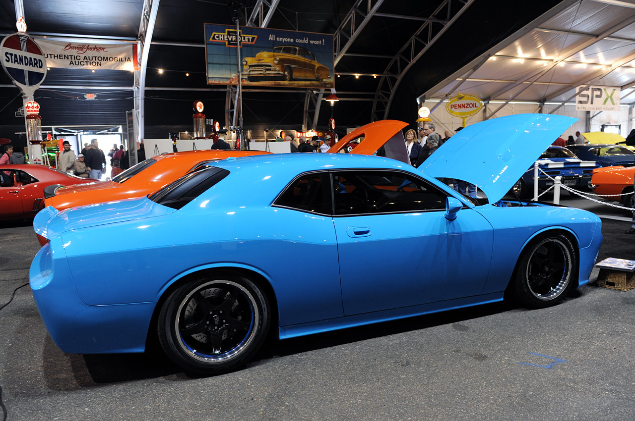 Petty S Garage 2009 Dodge Challenger Photo Gallery Autoblog