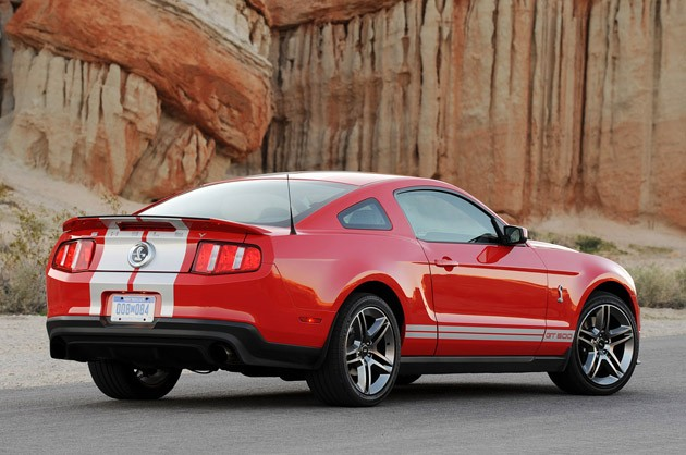 review 2010 ford shelby gt500 is the best car we 39 d never buy autoblog. Black Bedroom Furniture Sets. Home Design Ideas