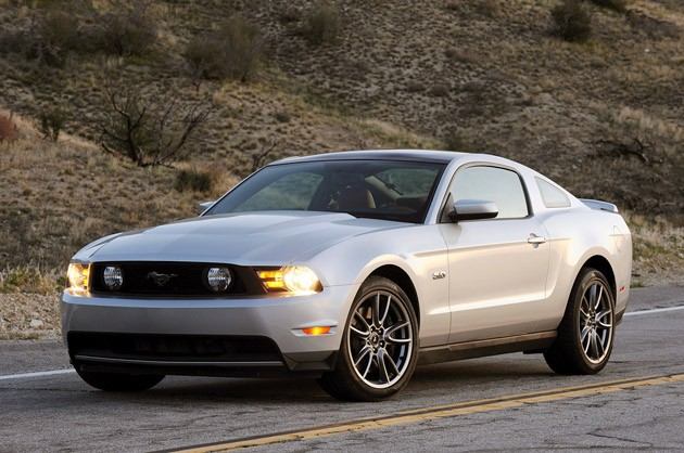 first drive 2011 ford mustang gt changes the game. Black Bedroom Furniture Sets. Home Design Ideas