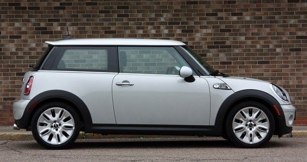 Review 2010 Mini Cooper 50 Camden Edition Speaks To Us Literally