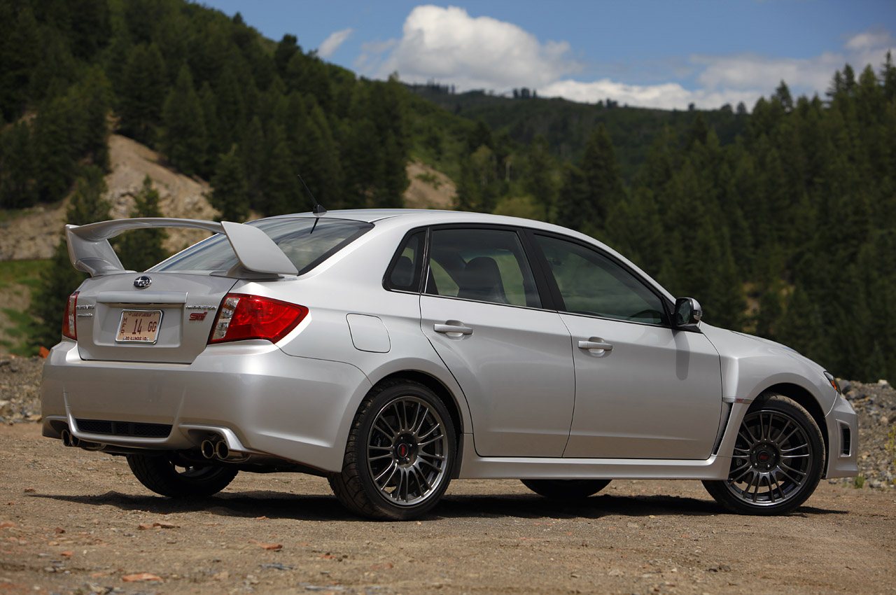 difference between subaru wrx 2015 and wrx sti 2015 autos weblog. Black Bedroom Furniture Sets. Home Design Ideas
