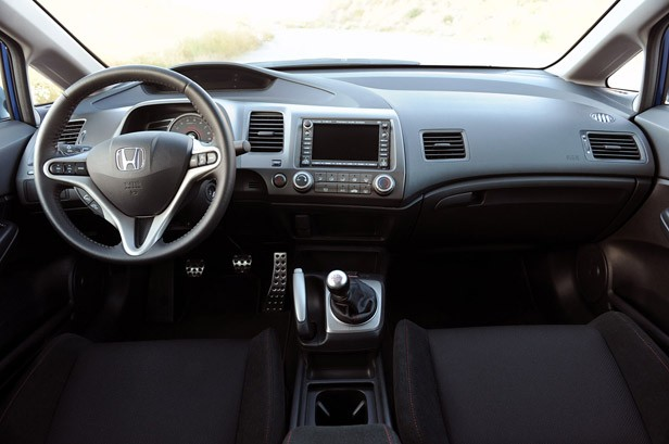 The Single Best Part Of Si S Interior Is Its Six Sd Shifter More Specifically Silken Precise Action Shift Itself A Hfp