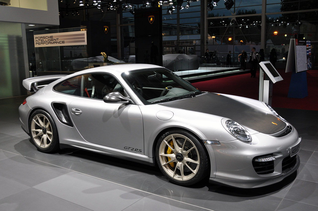 Porsche Pondering Supercar To Bridge Gap Between 911 GT2