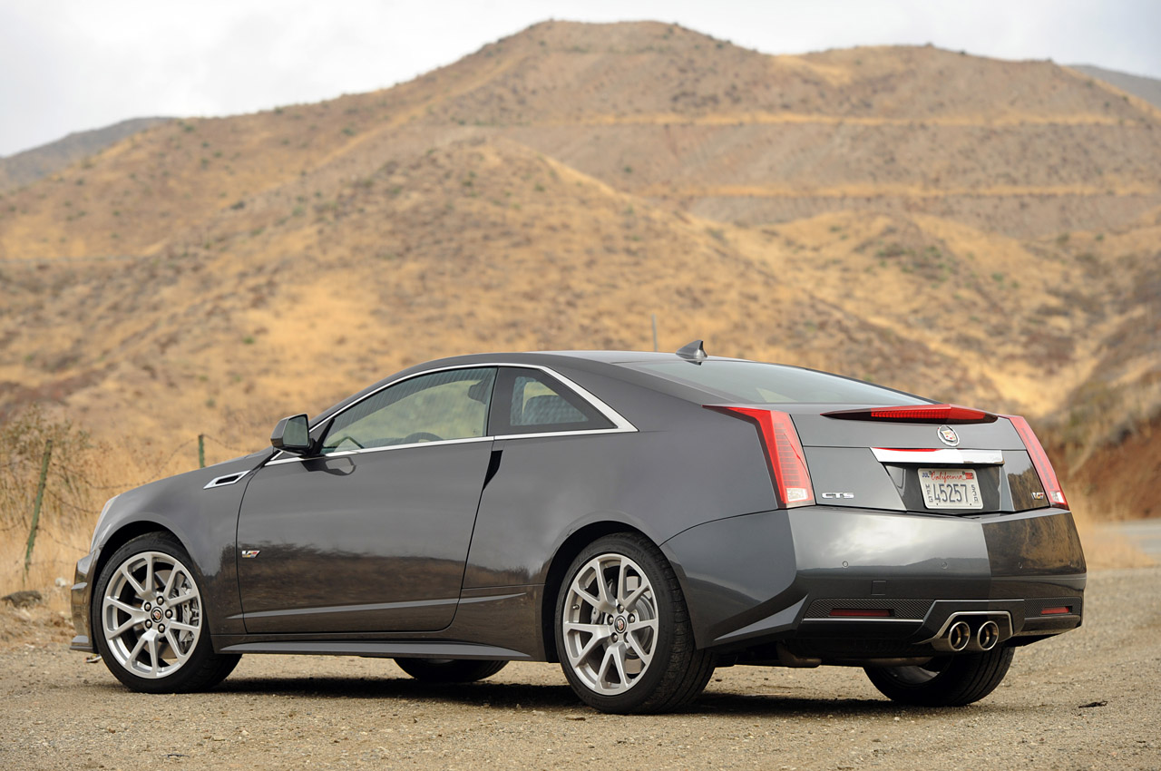 review 2011 cadillac cts v coupe autoblog autos post. Black Bedroom Furniture Sets. Home Design Ideas