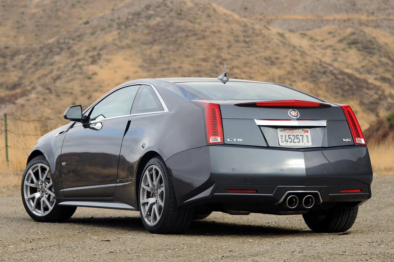 review 2011 cadillac cts v coupe autoblog. Black Bedroom Furniture Sets. Home Design Ideas