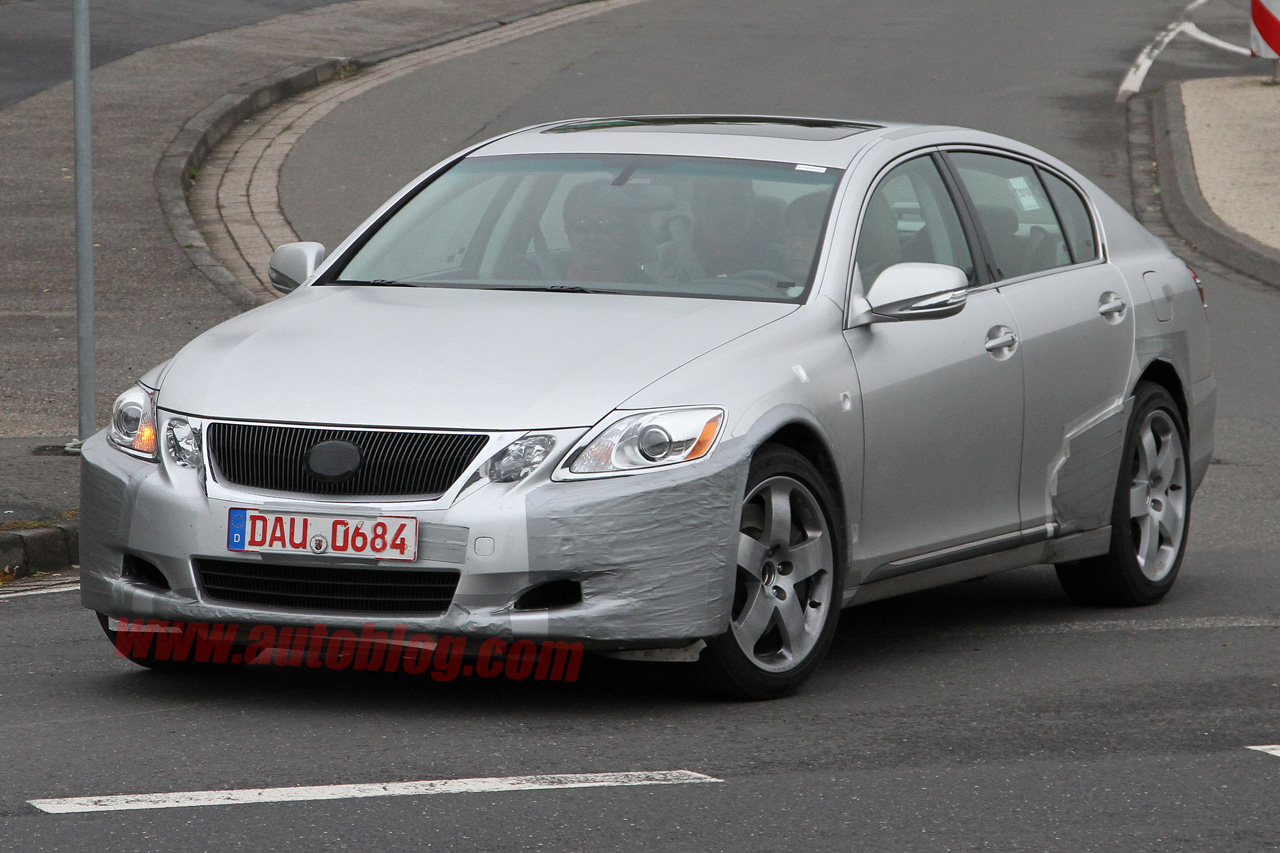Next-generation Lexus GS spy shots