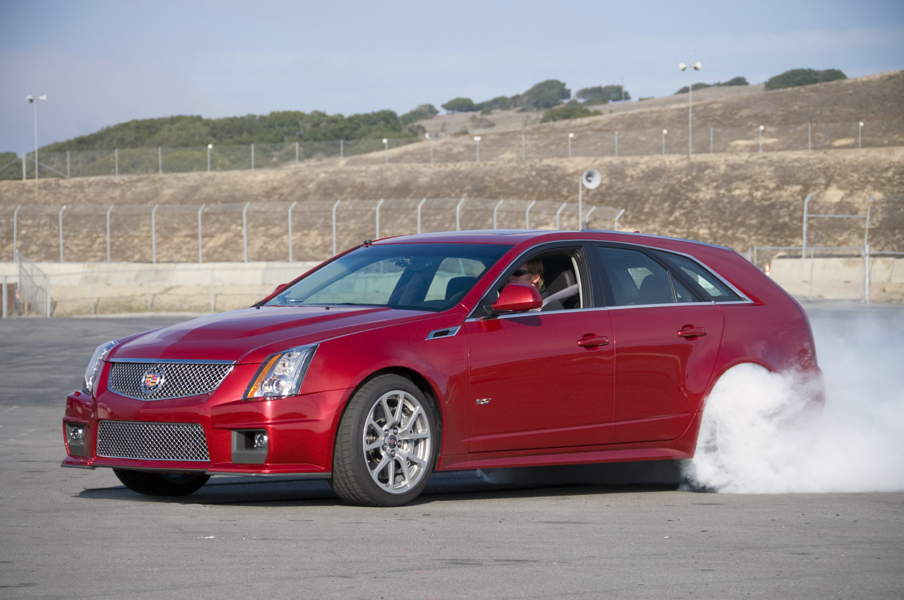2011 cadillac cts v wagon first drive photo gallery autoblog. Black Bedroom Furniture Sets. Home Design Ideas