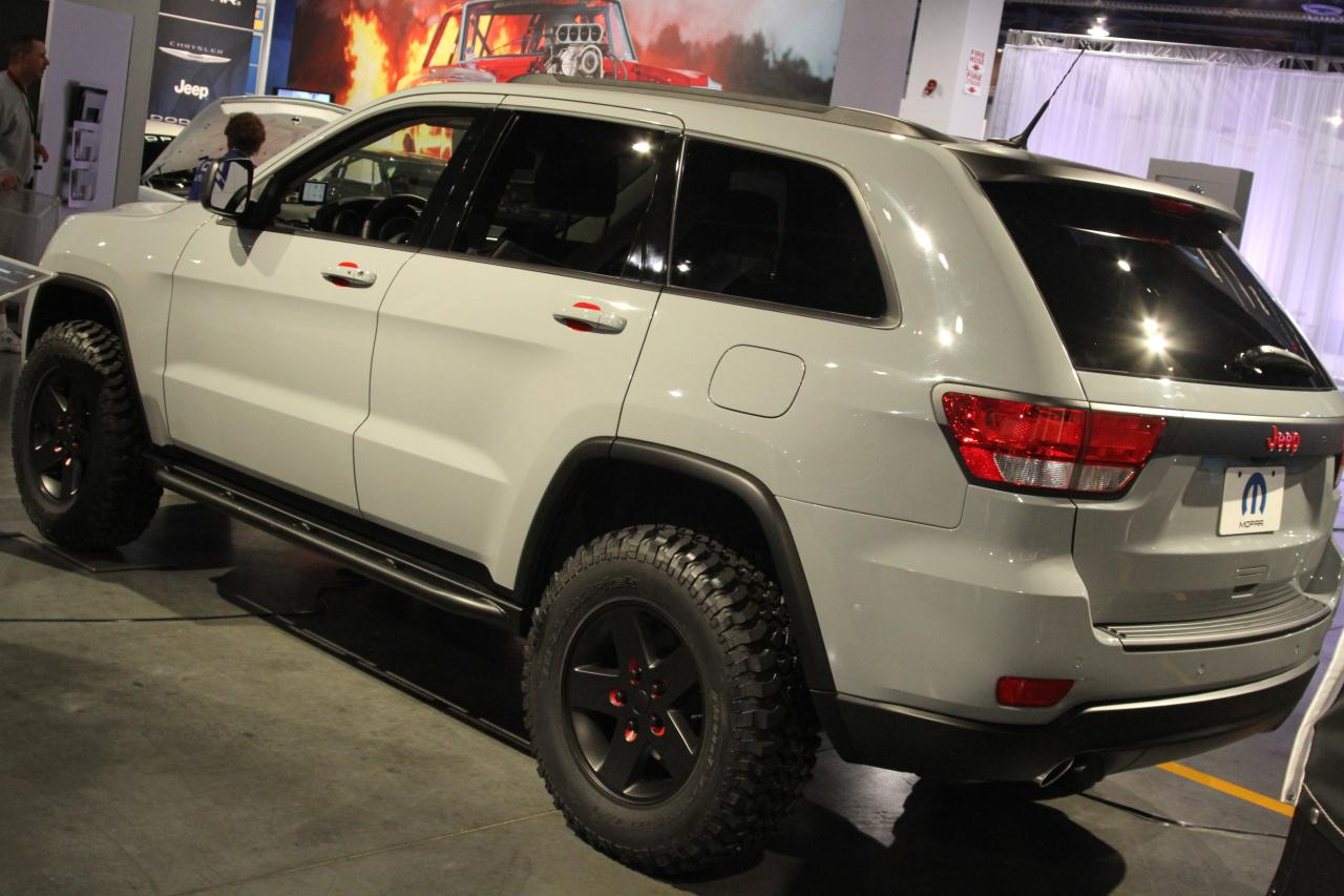sema 2010 jeep grand cherokee off road edition photo gallery autoblog. Black Bedroom Furniture Sets. Home Design Ideas