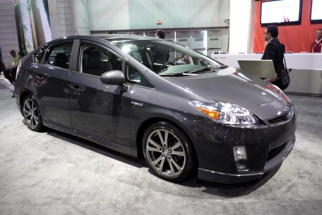 sema 2010 toyota gets its sport hybrid on with prius plus performance package. Black Bedroom Furniture Sets. Home Design Ideas