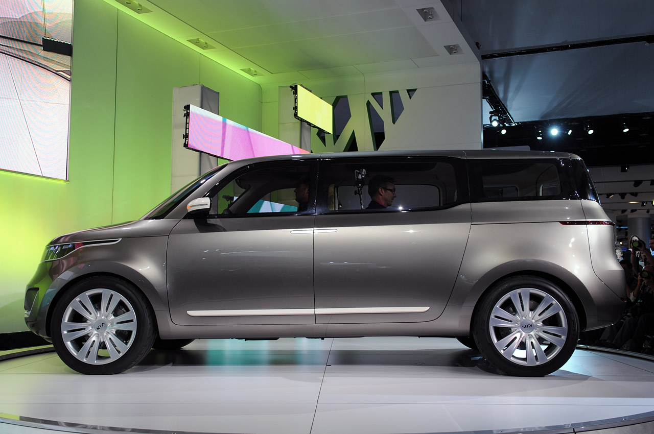 Kia Certified Pre-Owned >> Next Kia minivan expected to pull cues from KV7 concept - Autoblog