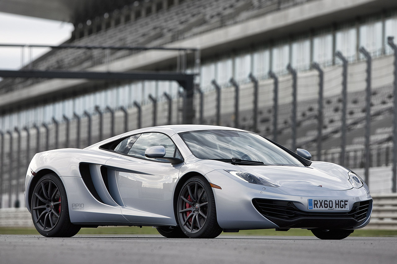 mclaren discontinues 12c offers owners free upgrade autoblog. Black Bedroom Furniture Sets. Home Design Ideas