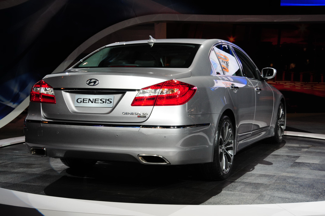 2012 Hyundai Genesis To Debut In Chicago With 5 0 Liter V8