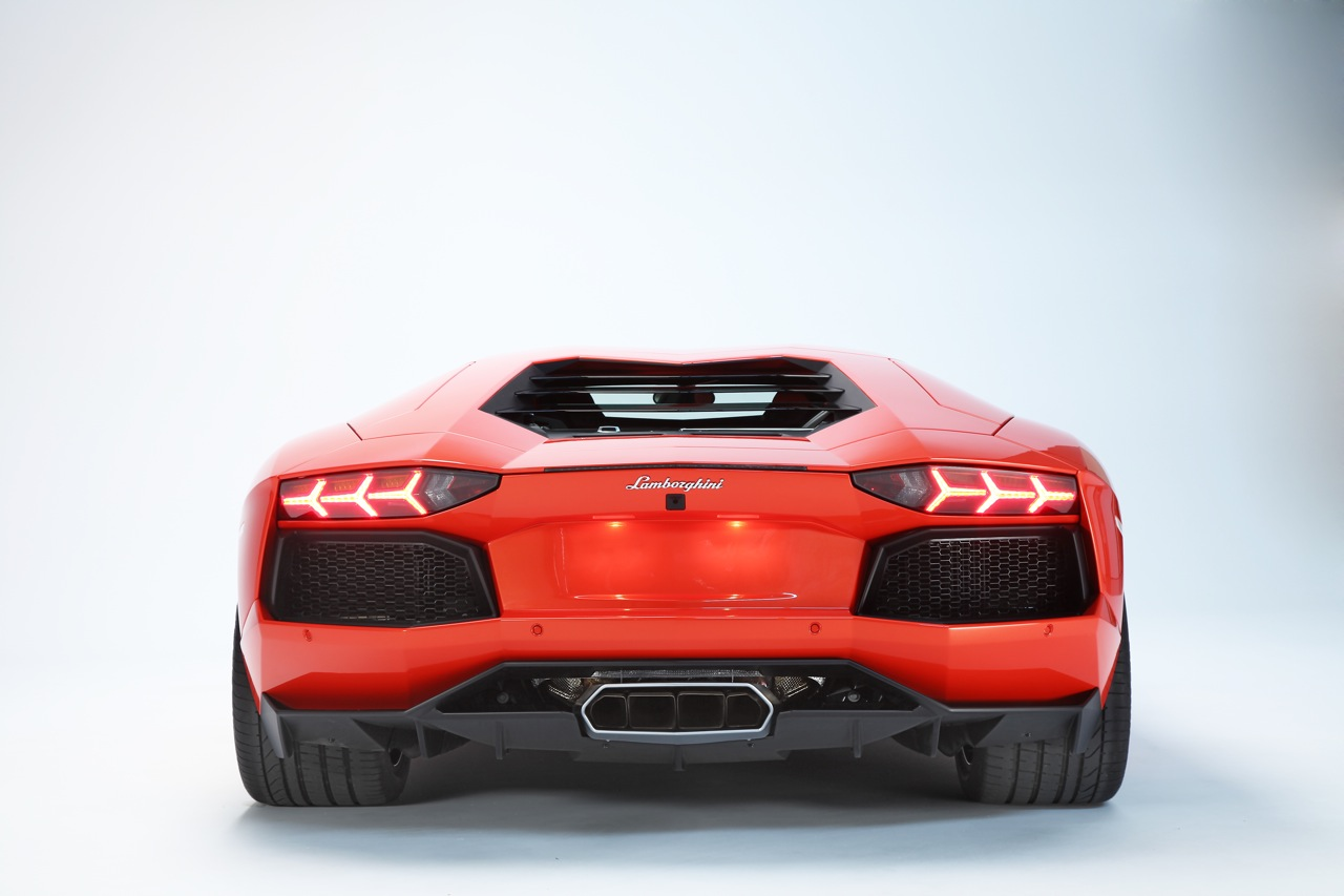 2012 Lamborghini Aventador Lp700 4 Aug 8 2013 Photo Gallery Autoblog