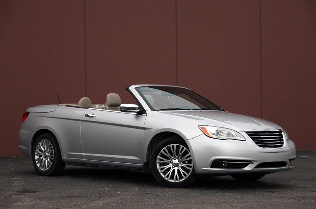 chrysler 200 convertible prices reviews and new model information autoblog. Black Bedroom Furniture Sets. Home Design Ideas