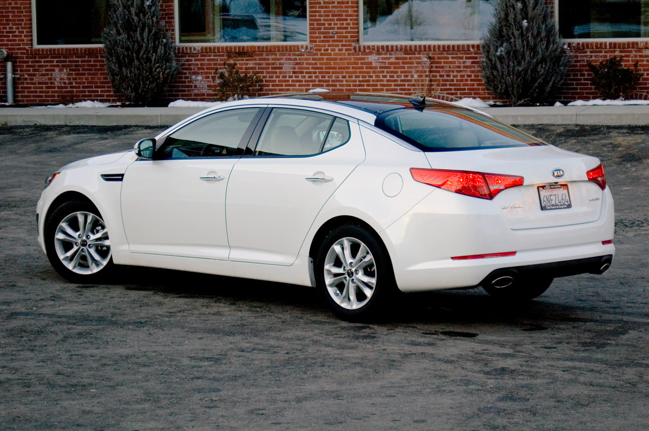 Review 2011 Kia Optima Ex The Benchmark For Now Autoblog