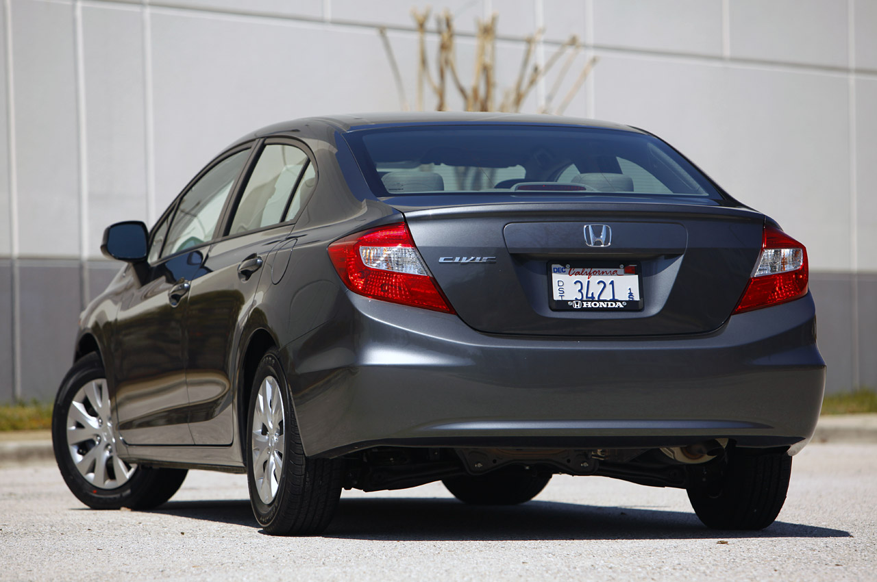 2012 honda civic recalled already over potential fuel leak autoblog. Black Bedroom Furniture Sets. Home Design Ideas