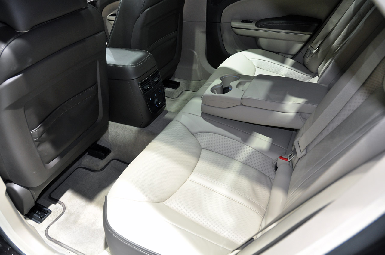 Car Dealerships In Aberdeen Sd >> Revealed - 2012 Chrysler 300C Executive the most luxurious ...