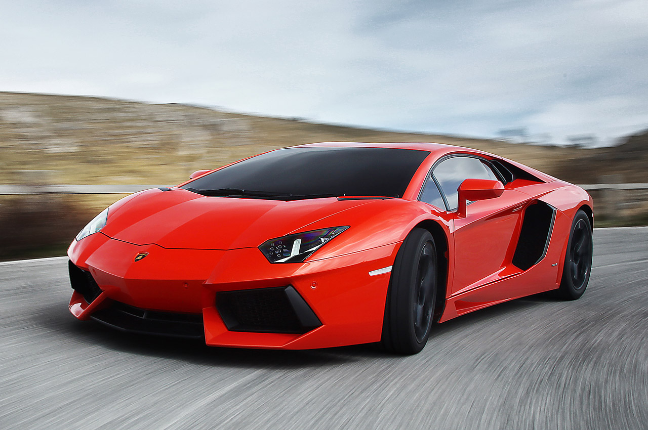 2012 Lamborghini Aventador LP700-4: First Drive Photo