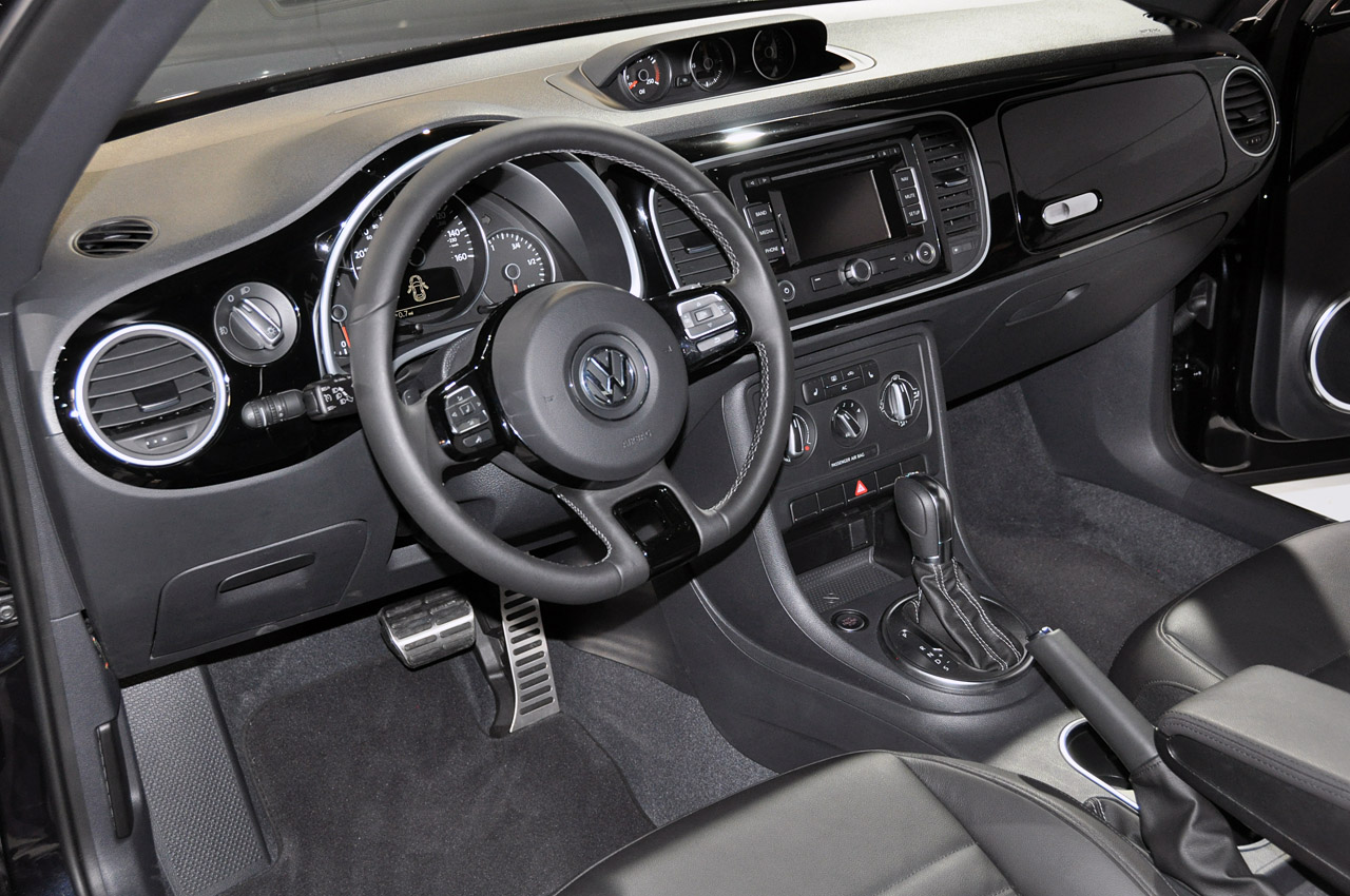 2012 Vw Beetle Live Pictures From New York Nordschleife Autoblahg 1960 Volkswagen Interior Click For Full Size