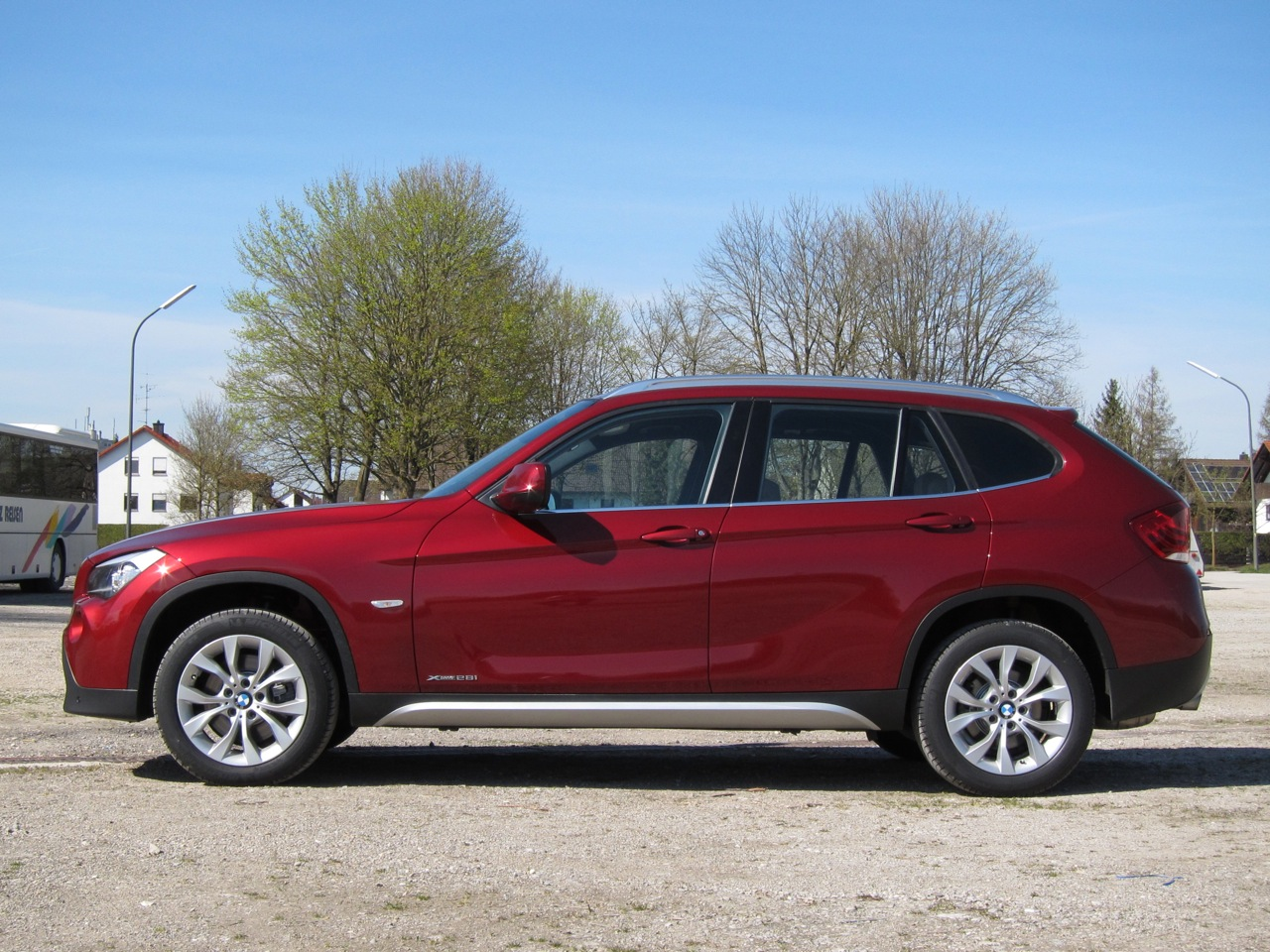 bmw promises updated x1 in u s dealers this summer autoblog. Black Bedroom Furniture Sets. Home Design Ideas