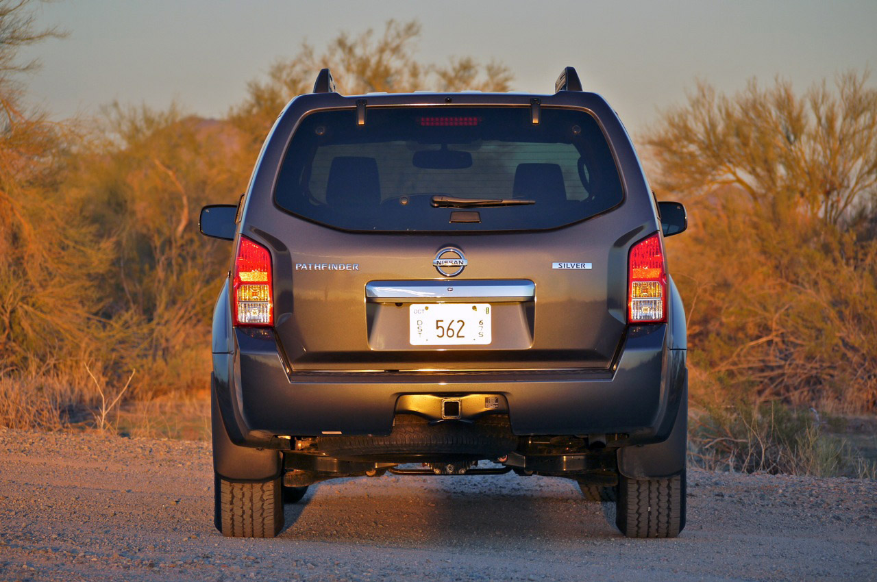 Nissan Pathfinder Review