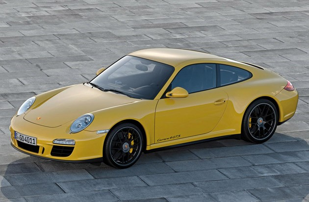 911seseseus_porsche gives us another with the 911 carrera 4 gts