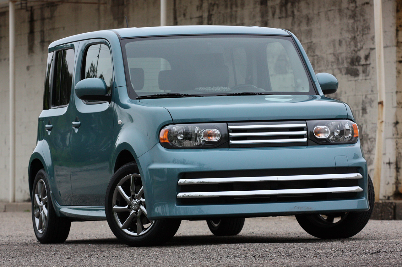 nissan discontinues krom cube and rogue models for 2012 autoblog. Black Bedroom Furniture Sets. Home Design Ideas