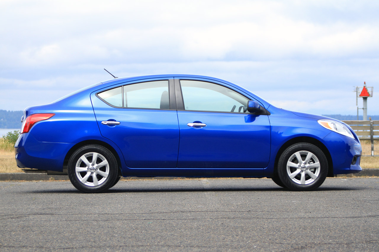 2012 nissan versa photo gallery of first drive review html autos post. Black Bedroom Furniture Sets. Home Design Ideas