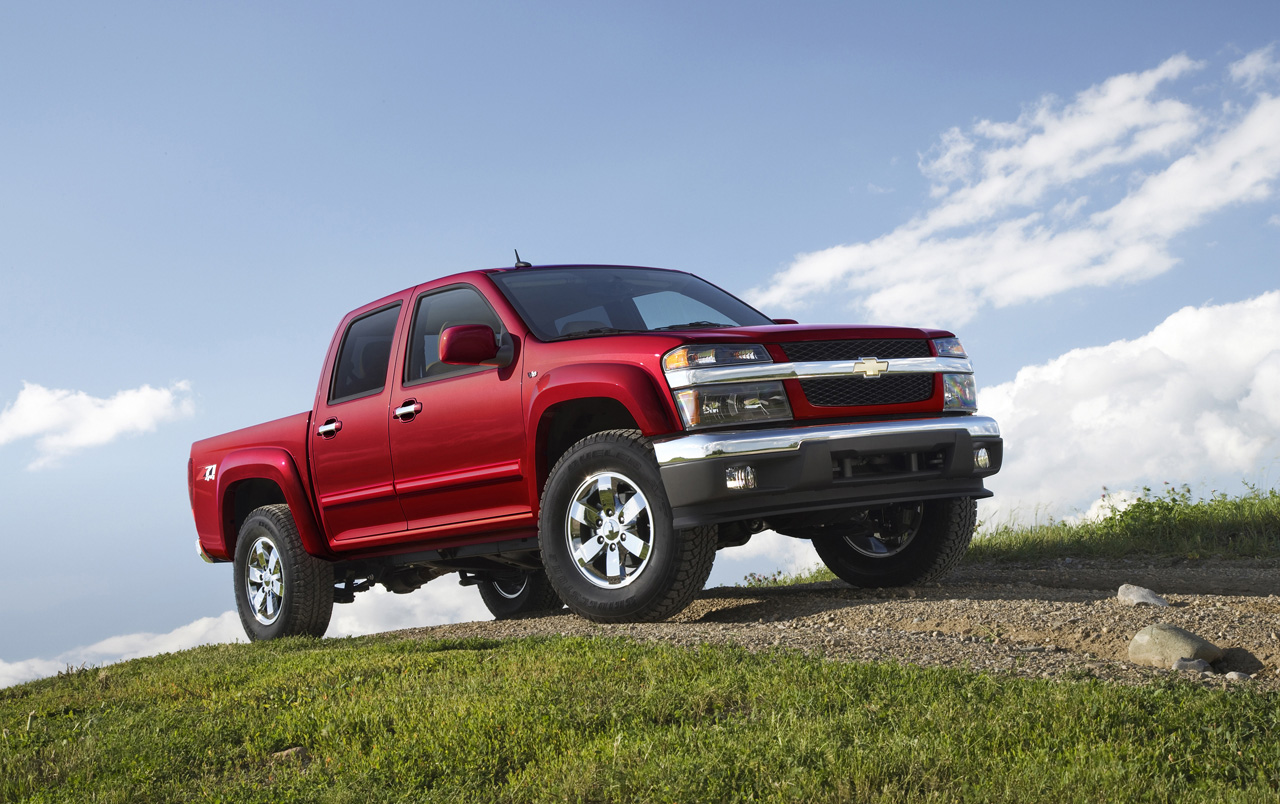 over 7 500 gm trucks recalled over two safety issues autoblog. Black Bedroom Furniture Sets. Home Design Ideas