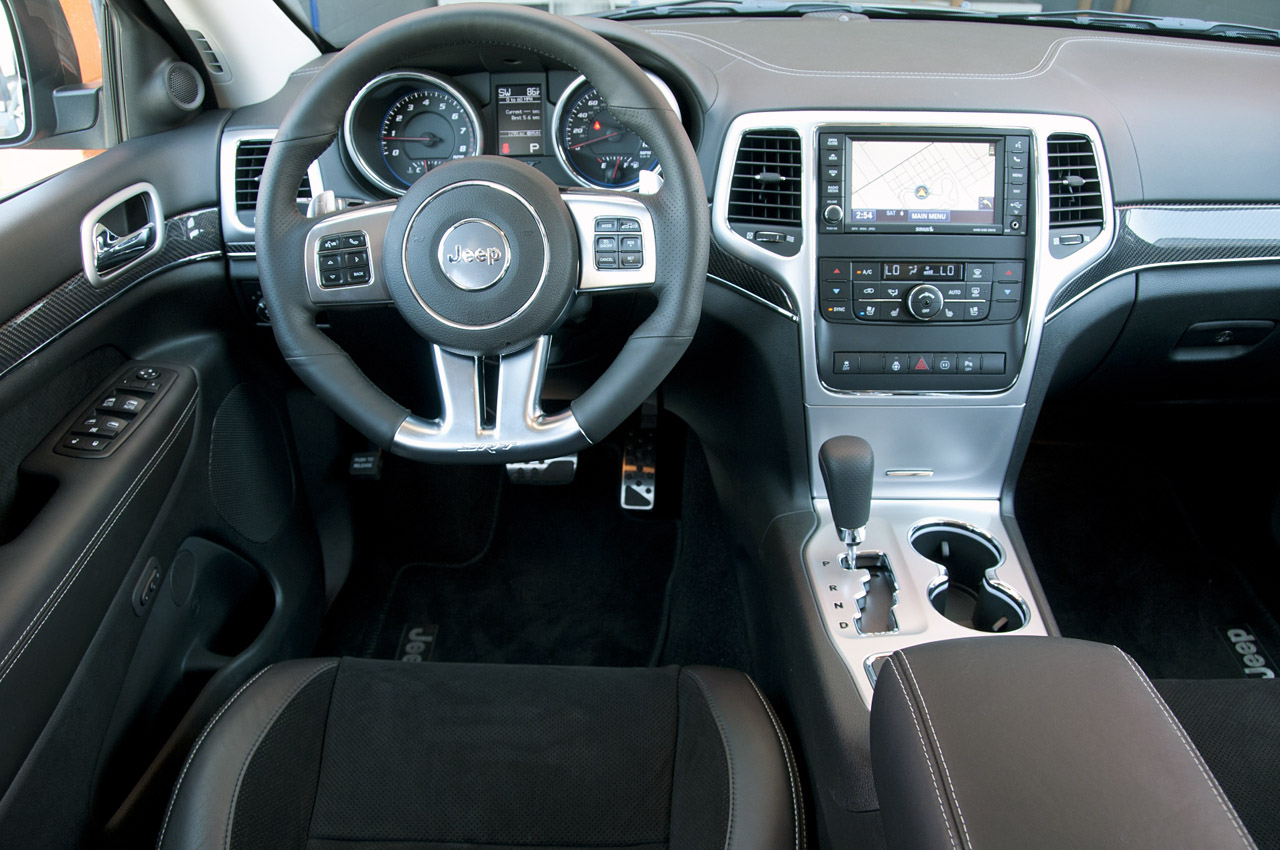 2012 jeep grand cherokee srt8 first drive photo gallery autoblog. Black Bedroom Furniture Sets. Home Design Ideas