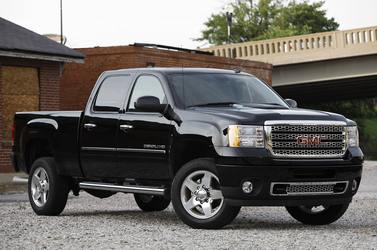 2011 gmc sierra denali 2500 autoblog. Black Bedroom Furniture Sets. Home Design Ideas