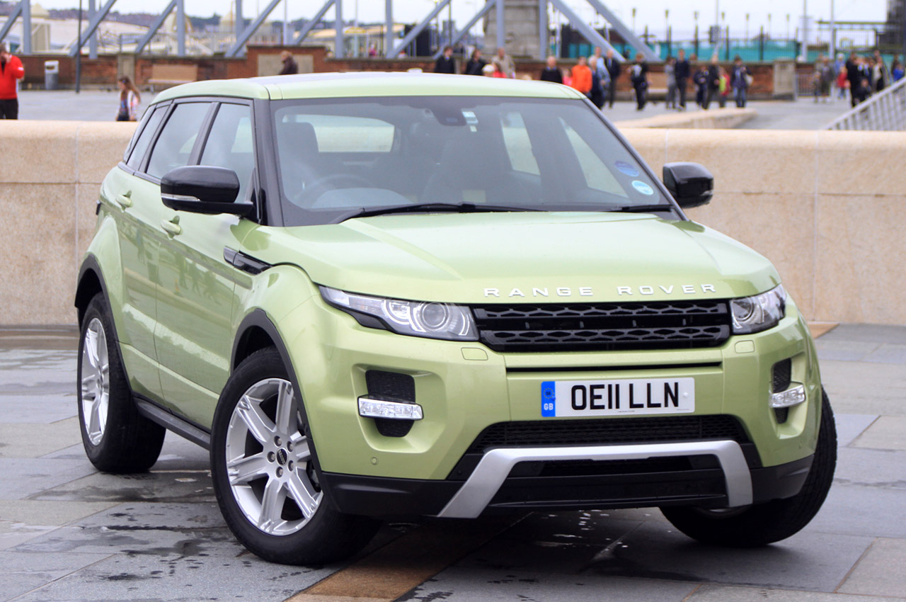 range rover evoque named top gear magazine 39 s car of the year autoblog. Black Bedroom Furniture Sets. Home Design Ideas