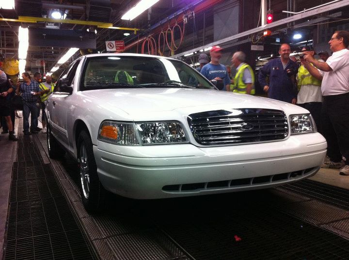 Last Ford Crown Victoria Assembled At St Thomas Plant Photo Gallery Autoblog