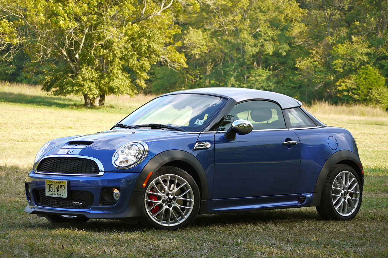 2012 mini cooper coupe first drive photo gallery autoblog. Black Bedroom Furniture Sets. Home Design Ideas