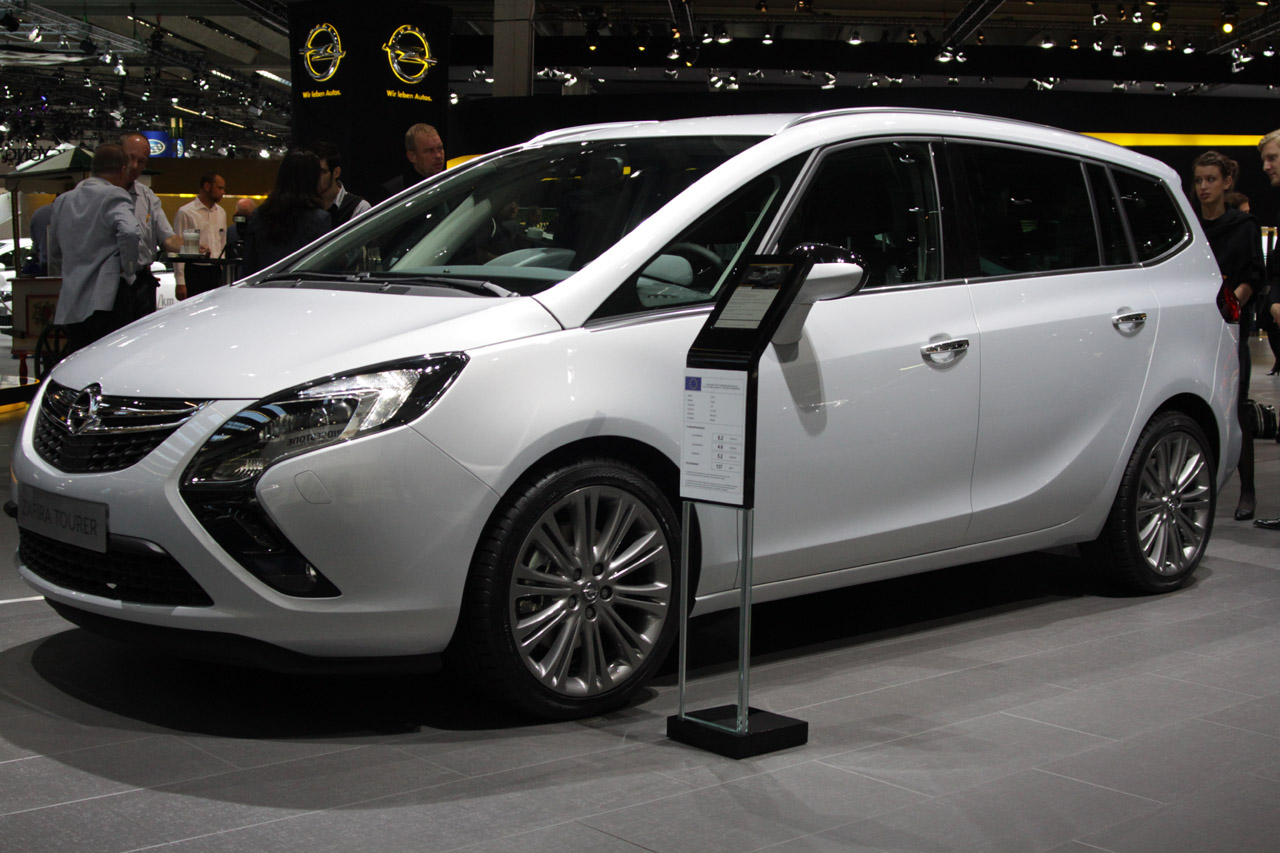 2012 Opel Zafira Tourer Seats 7, Returns Up To 44 Mpg
