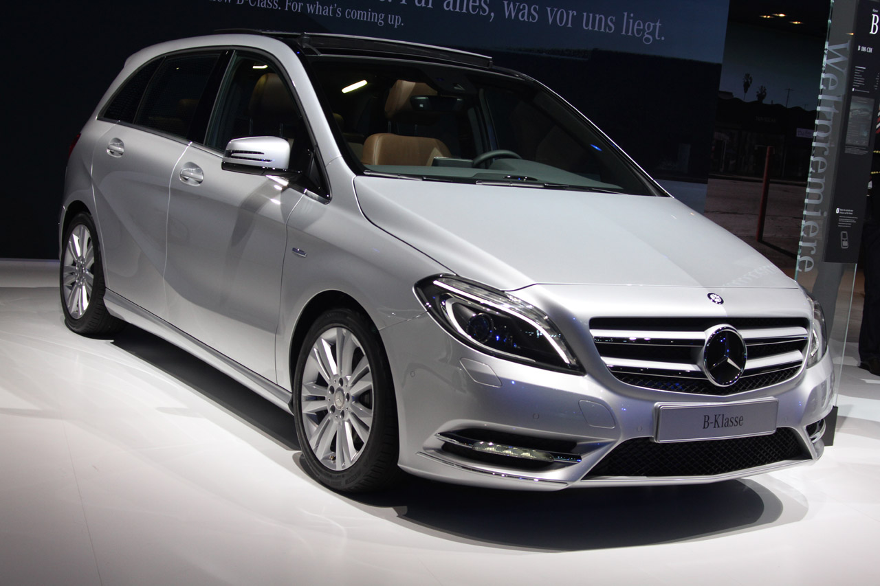Certified Pre Owned Mercedes >> 2012 Mercedes-Benz B-Class gets big-car features - Autoblog