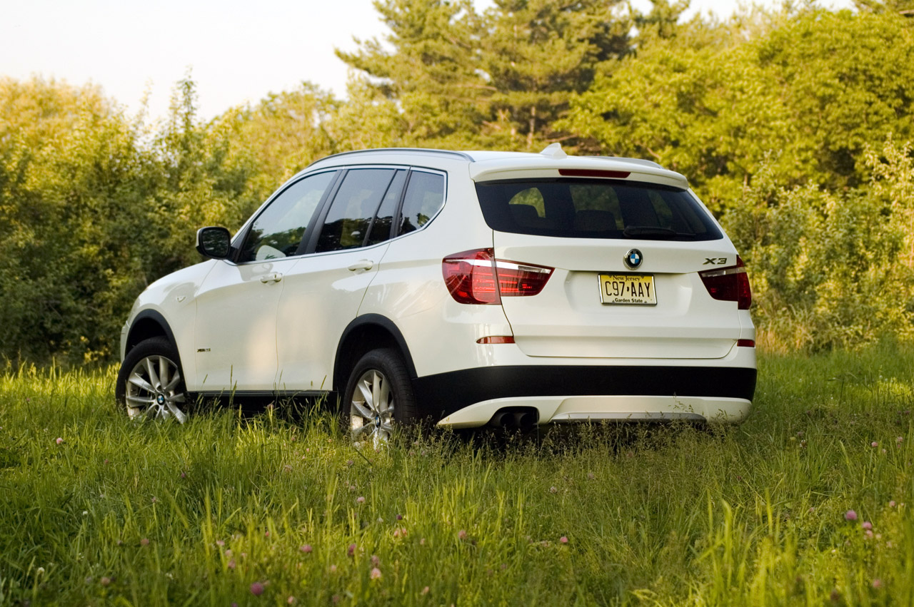2011 bmw x3 xdrive28i autoblog. Black Bedroom Furniture Sets. Home Design Ideas