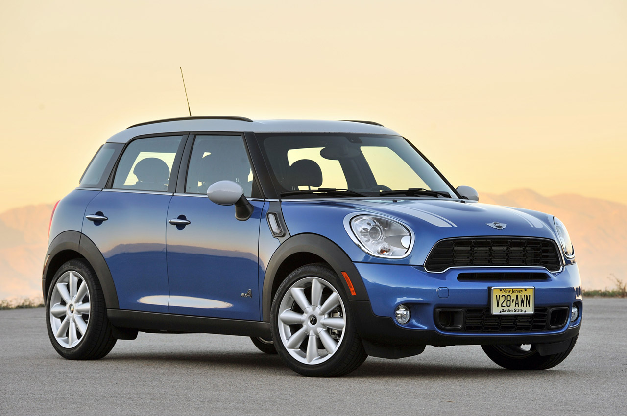 long term 2011 mini countryman photo gallery autoblog. Black Bedroom Furniture Sets. Home Design Ideas