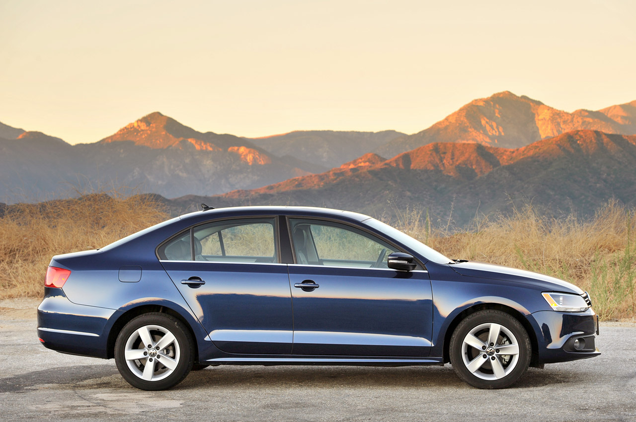 2011 volkswagen jetta tdi wrap up w video autoblog. Black Bedroom Furniture Sets. Home Design Ideas