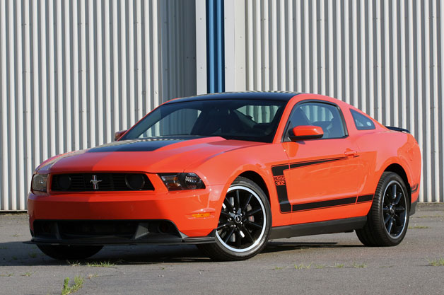 ford mustang boss 302 prices reviews and new model information autoblog. Black Bedroom Furniture Sets. Home Design Ideas