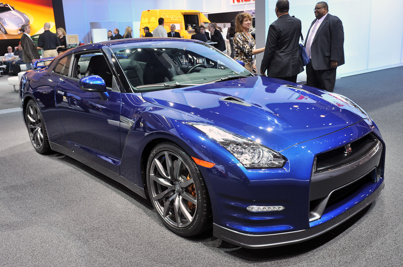 2013 nissan gt r is more of a great thing autoblog. Black Bedroom Furniture Sets. Home Design Ideas