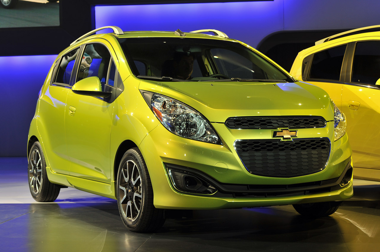 2013 chevrolet spark la 2011 photo gallery autoblog. Black Bedroom Furniture Sets. Home Design Ideas