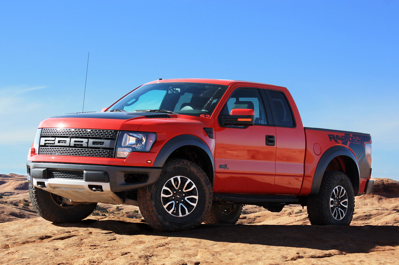 2012 ford f 150 svt raptor first drive photo gallery autoblog. Black Bedroom Furniture Sets. Home Design Ideas