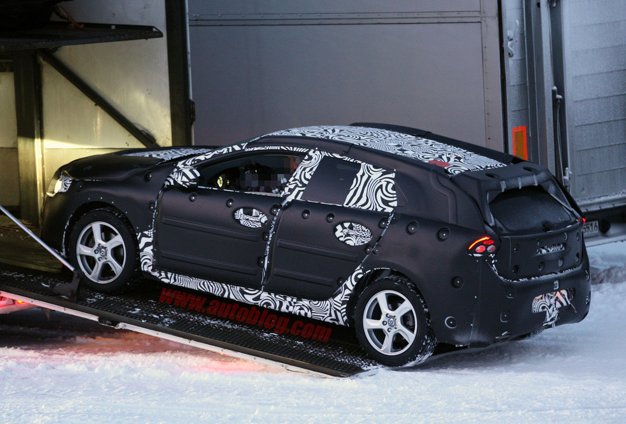 Volvo Certified Pre-Owned >> Volvo V40 caught testing in winter wonderland | Autoblog