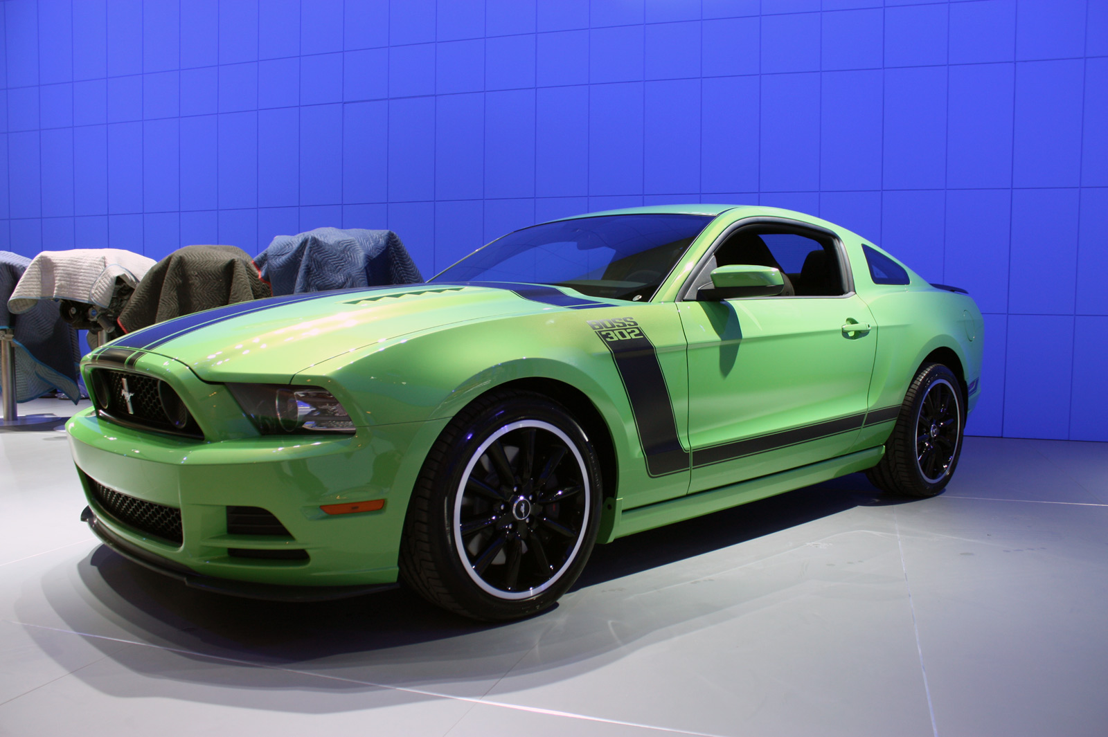 2013 ford mustang boss 302 gotta have it green photo gallery autoblog. Black Bedroom Furniture Sets. Home Design Ideas