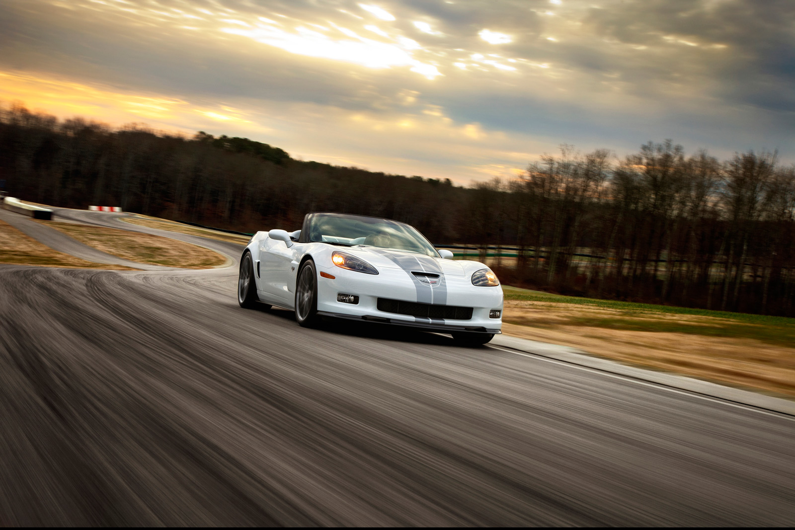 Engine Repair Shops >> Chevy sending off C6 Corvette with 427 Convertible and 60th Anniversary package | Autoblog