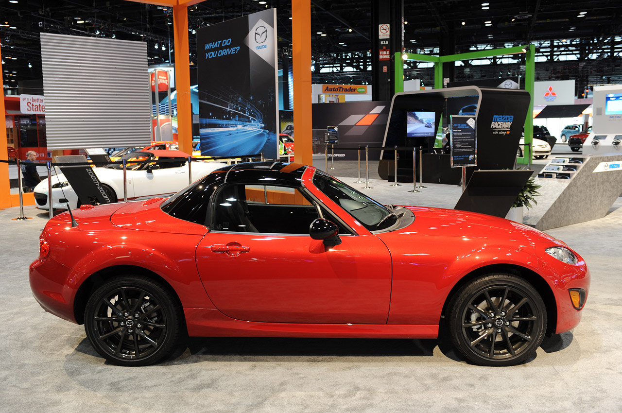2013 Mazda Mx 5 Special Edition Shows Off Its New Black
